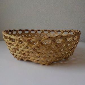 Vintage Weaved Basket Natural color 12x4